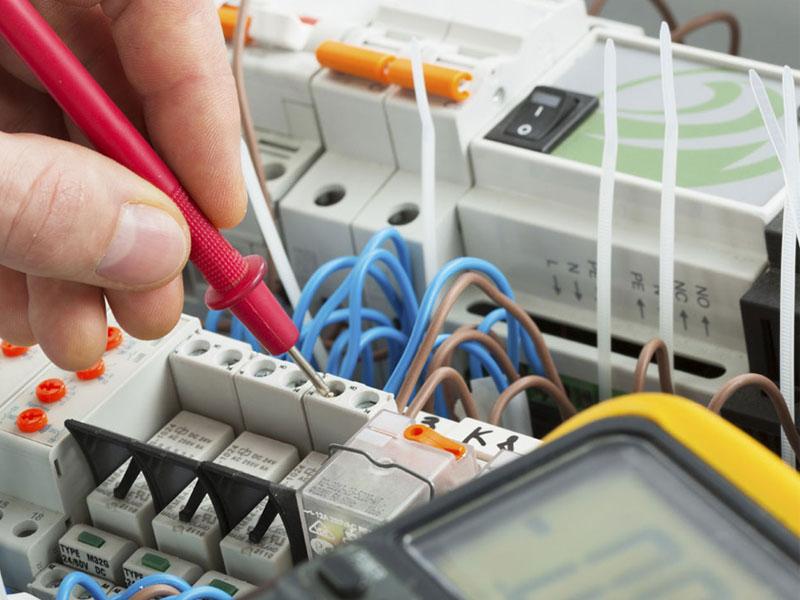 installazione-manutenzione-impianti-elettrici-civili