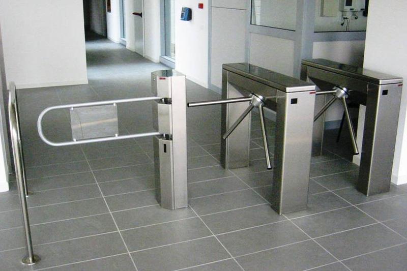 installazione-assistenza-automazione-tornelli